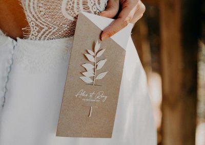 faire-part de mariage original avec fleurs séchées