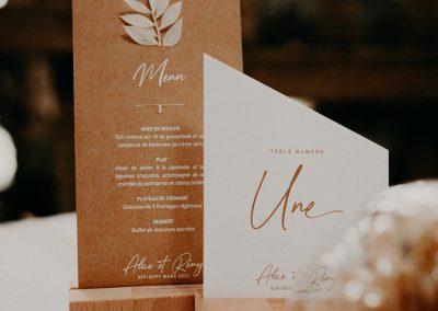 menu et numéro de table mariage bohème
